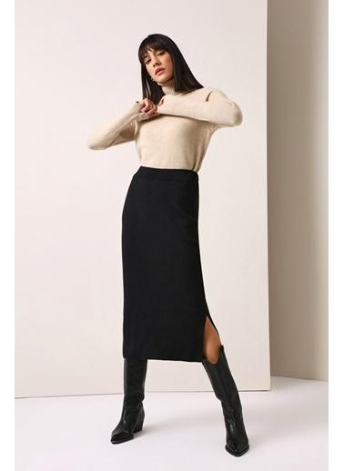 Gusto Kadın Siyah Triko Etek 21KGST024 Siyah